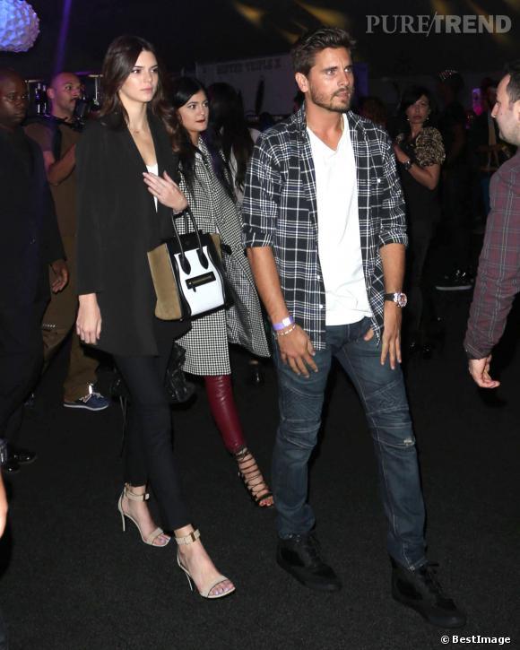 Kendall et Kylie Jenner se sont rendues dans une boite de nuit interdite aux mineurs avec Scott Disick.