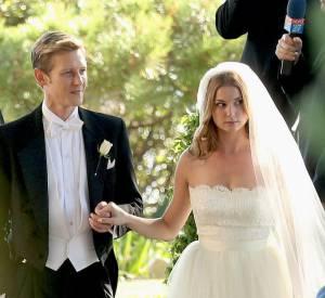 """Grabriel Mann et Emily VanCamp sur le tournage de la saison 3 de """"Revenge""""."""