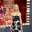 Gwyneth Paltrow a inauguré les vitrines du Noël 2013 du Printemps dans une robe signée Prada.