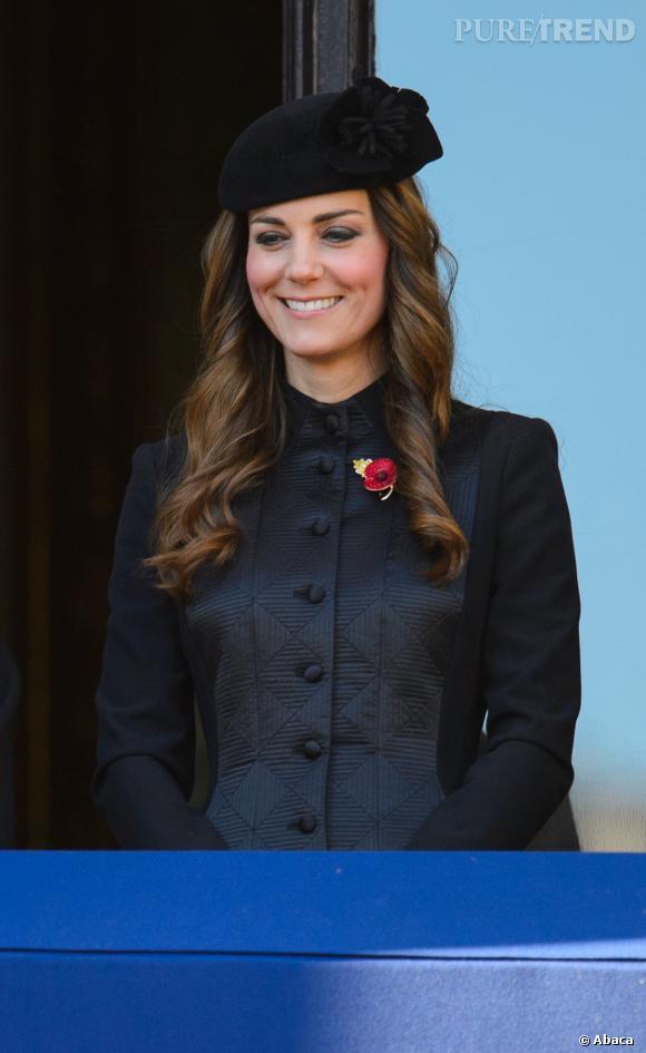 Kate Middleton a-t-elle oublié qu'elle assistait à une cérémonie hommage aux anciens combattants ?