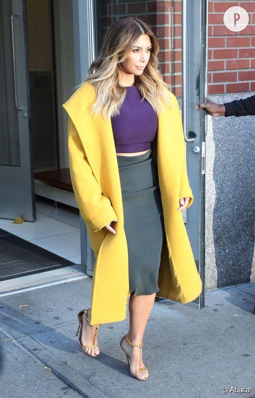 Kim Kardashian, un look coloré à shopper !