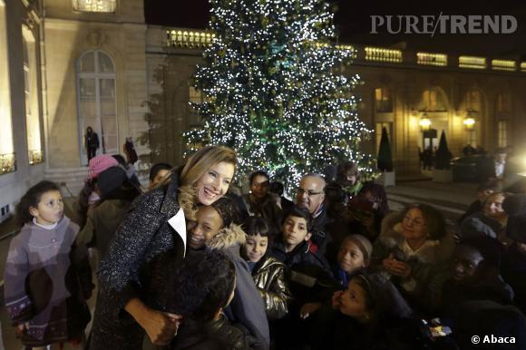 Entre première girlfriend ou assistante du père Noël, quel est le rôle préféré de Valérie Trierweiler ?