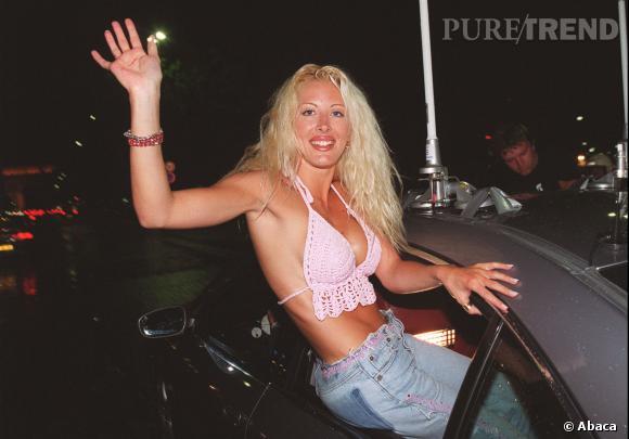 """Loana à la sortie de"""" Loft Story"""" en 2001."""