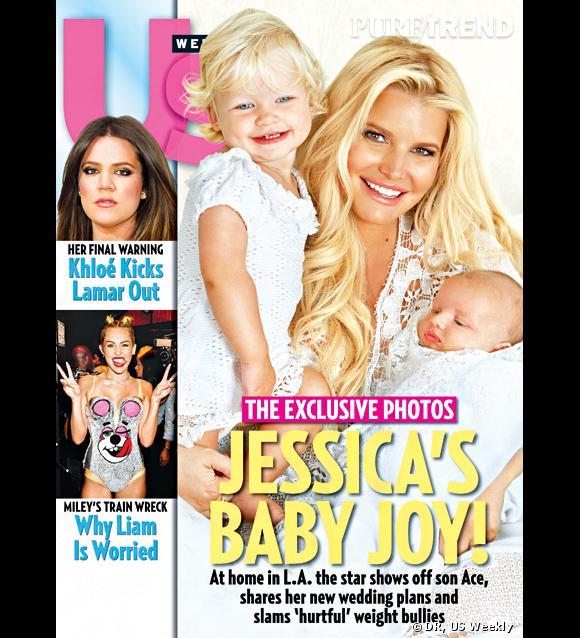 Jessica Simpson, fière de présenter son petit Ace Knute.