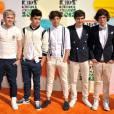Désormais, Harry Styles porte en plus des noeuds papillon.