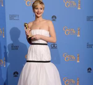 Jennifer Lawrence aussi a essayé de cacher son boyfriend en ne le faisant pas poser sur red carpet.