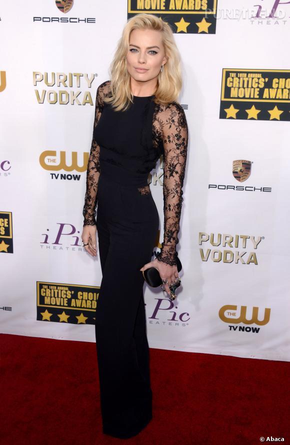 Margot Robbie mise sur une combinaison et non pas une robe pour les Critic's Choice Movie Awards 2014.