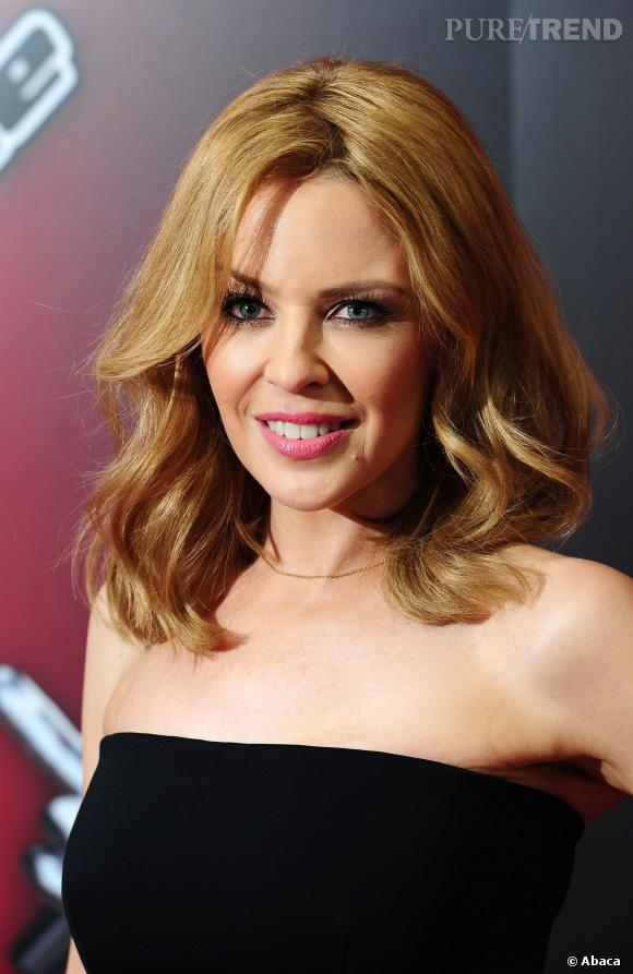 """Kylie Minogue a dévoilé """"Into the Blue"""", extrait de son nouvel album."""