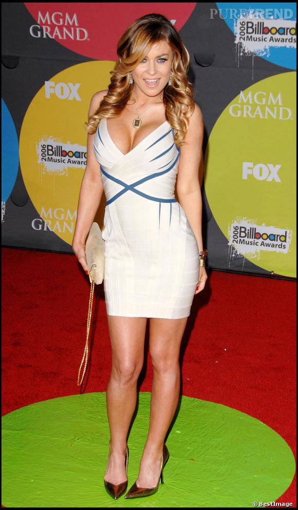 Carmen Electra, poitrine en avant pour les Billboard Music Awards 2006.