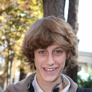 Jean-Baptiste Maunier, les cheveux mi-longs en ado.