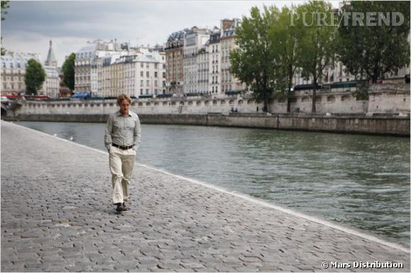 "Owen Wilson se balade sur les quais parisiens... (""Midnight in Paris"")"