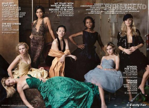 Claire Danes, Scarlett Johansson, Rosario Dawson, Ziyi Zhang, Kerry Washington, Kate Bosworth, et Sienna Miller en couverture intérieure du Vanity Fair Hollywood Issue 2005.