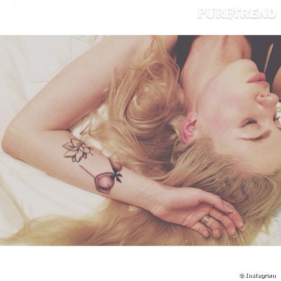 Ireland Baldwin a posté une photo d'elle révélant deux tatouages sur son avant bras qui ont été vivement critiqué.