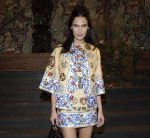 Bianca Balti portait un ensemble Dolce & Gabbana de la collection Printemps-Été 2014.