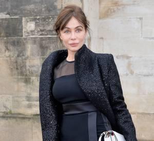 Emmanuelle Béart : pudique transparence au défilé Elie Saab