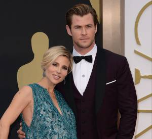 Elsa Pataky et Chris Hemsworth sur le red carpet des Oscars 2014.