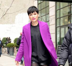Jessie J : l'ultraviolet sexy et mini short à New York... Un look osé à copier !
