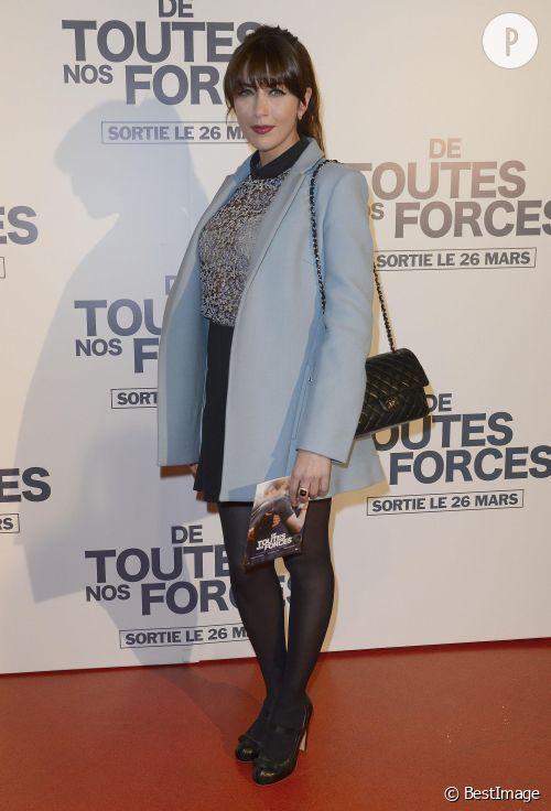 """Nolwenn Leroy, le look de mi-saison parfait à l'avant-première du film """"De toutes nos forces"""" à Paris, lundi 17 mars 2014."""