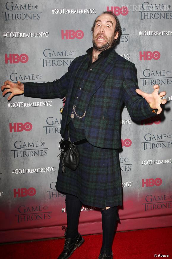 """Rory McCann joue les petits rigolos à l'avant-première de """"Game of Thrones"""" à New York, le mardi 18 mars 2014."""