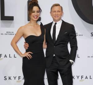 Daniel Craig et Bérénice Marlohe, la james bond girl française de Skyfall à la première de Skyfall à Berkin en octobre 2012.