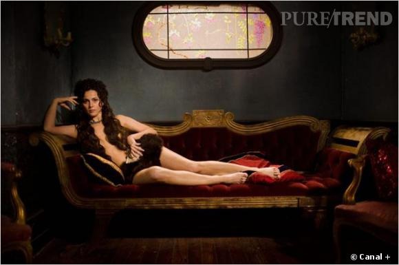 """Anne Charrier, sexy dans """"Maison close"""" sur Canal+."""