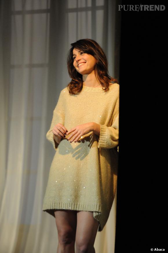 """Anne Charrier sur scène dans """"Au Moment de la Nuit"""" en 2011."""