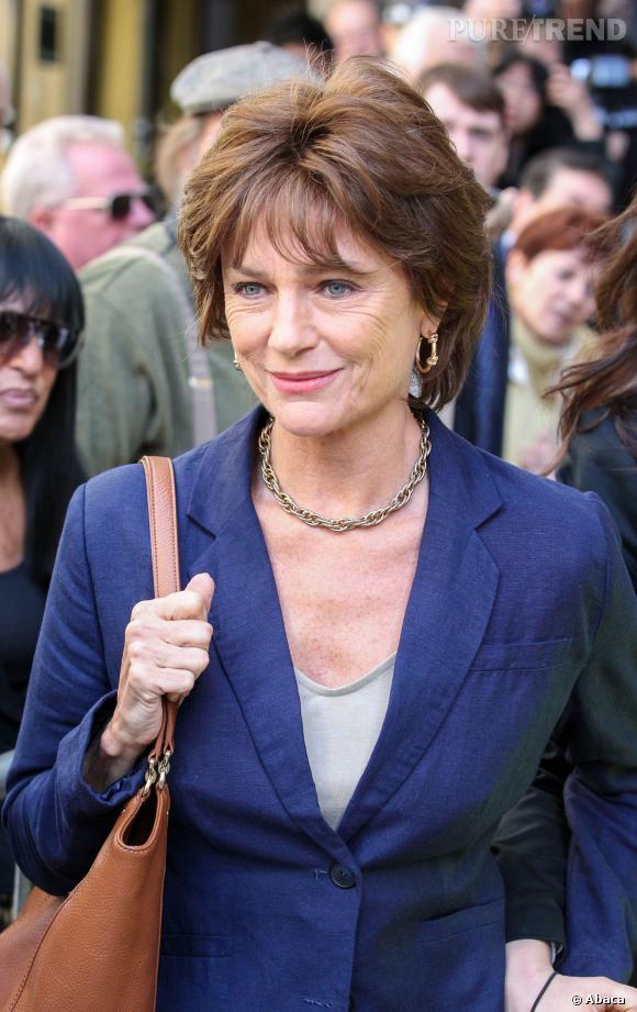 Jacqueline Bisset incarne Anne Sinclair.