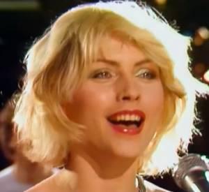 """Blondie chante """"Heart Of Glass"""", un titre que reprend Gisele Bündchen pour l'Eté 2014 d'H&M."""