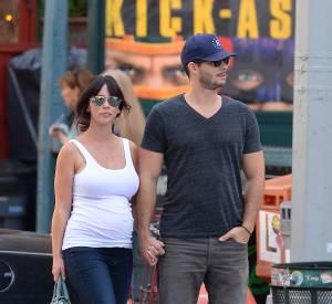 Jennifer Love Hewitt et son mari Brian Hallisay en août 2013.