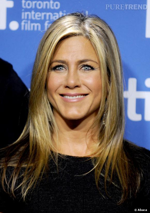 Jennifer Aniston, 45 ans, n'aime pas qu'on lui parle de son âge, même si elle fait 10 ans de moins.