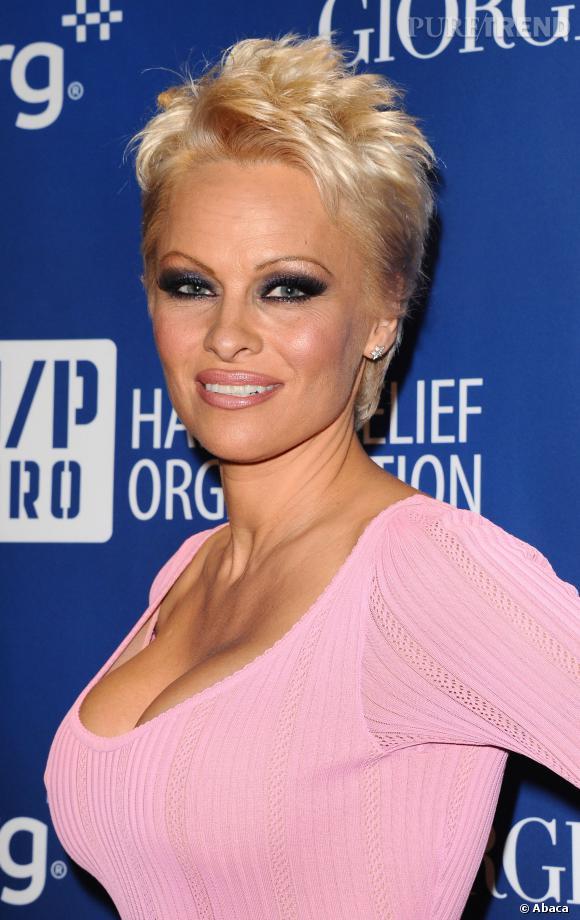 Pamela Anderson a beau avoir une nouvelle coiffure plus sage, elle n'arrive pas à se défaire de son image de bombe sexuelle.