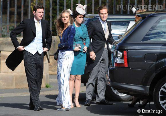 Cressida Bonas sait aussi jouer les filles aristocratiques. Comme le 22 juin 2013 où elle se rend à un mariage avec les Princesses Béatrice et Eugénie d'York.