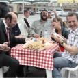 """Dany Boon et l'équipe de """"Bienvenue chez les Cht'is"""", la comédie de 2008."""