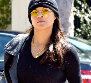 Michelle Rodriguez souhaitait une relation stable, ce n'est pas avec la très jeune Cara Delevingne qu'elle va être servie!