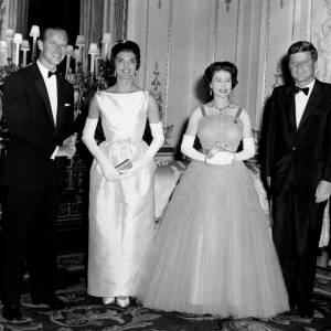 Jackie Kennedy, John Kennedy, la Reine Elizabeth II et le Duc d'Edinburgh en juin 1961.