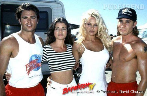 """David Charvet et Pamela Anderson dans la série """"Alerte à Malibu""""."""