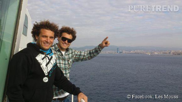 Sylvain Moussilman (avec les lunettes), windsurfer de haut niveau, est le nouvel amoureux de Laure Manaudou. Il est très proche de son frère jumeau, Benoît.
