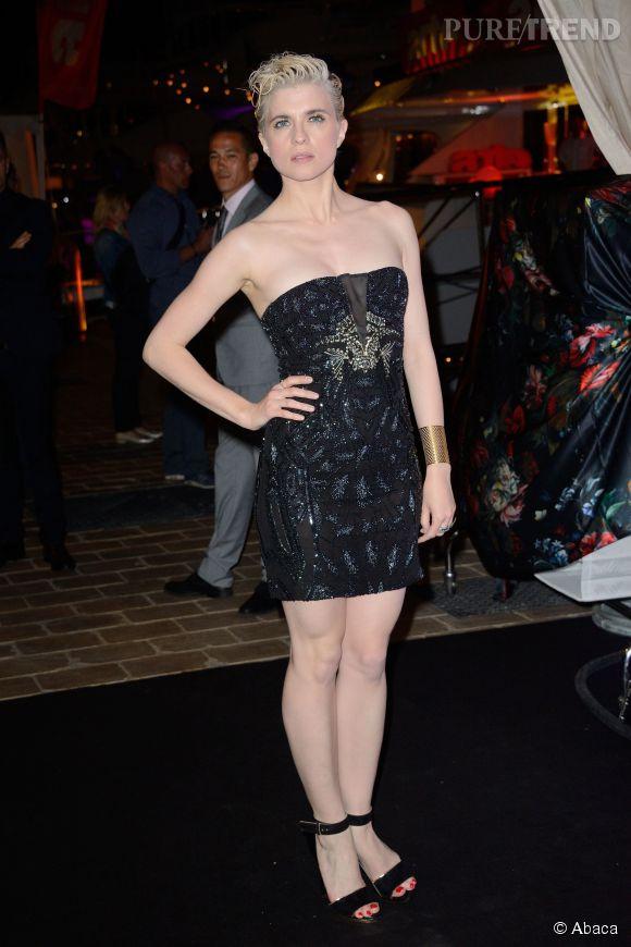 Cécile Cassel en mini robe bustier léopard et sequins Cavalli à la soirée Cavalli à Cannes le 21 mai 2014.