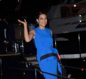 Rosario Dawson ose la couleur à la soirée Cavalli à Cannes le 21 mai 2014.