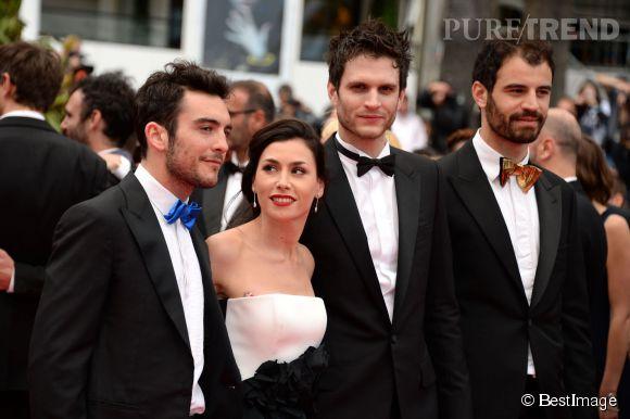 Olivia Ruiz a monté les marches du palais des festivals pour la projection de Foxcatcher, avec les trois acteurs de son court-métrage Hugo Brunswick, Manuel Severi et Max Geller).