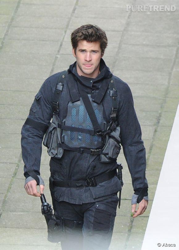 Liam Hemsworth s'est blessé au pied sur le tournage du dernier volet de la saga Hunger Games, à Berlin.