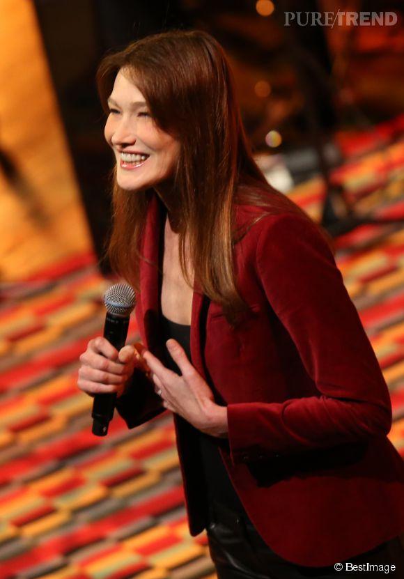 Carla Bruni a charmé son public russe à la Maison Internationale de la musique de Moscou le 2 juin 2014.