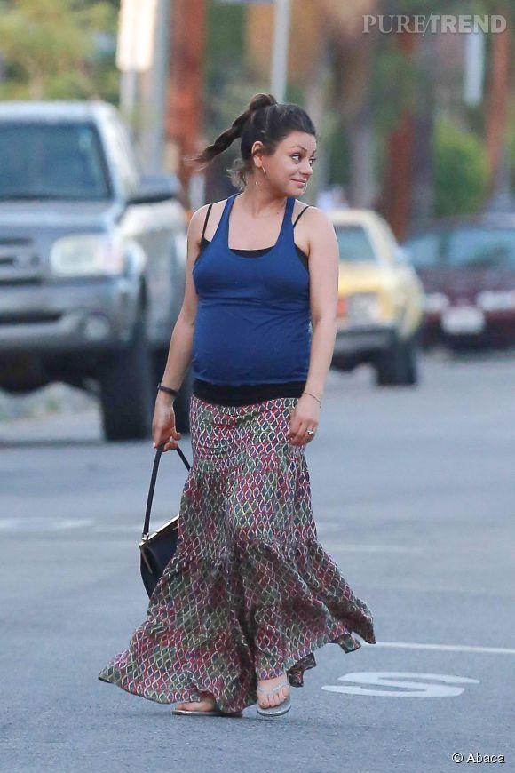 Mila Kunis arbore de nouvelles rondeurs... Etre une future maman, cela plait énormément à l'actrice.