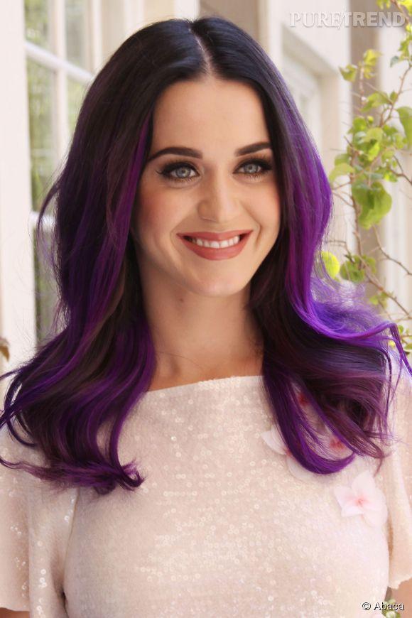 Fabuleux En 2012, Katy Perry opte pour les cheveux violets. UL15