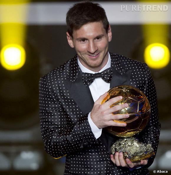 Lionel Messi et son costume catastrophique pour recevoir son ballon d'or 2012.