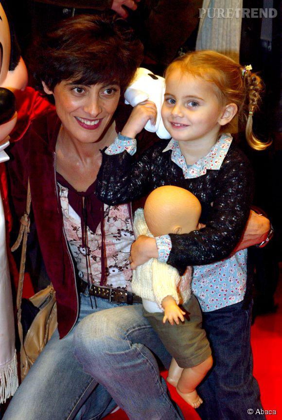 Inès de la Fressange et Violette d'Urso en 2002.