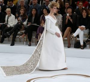 Chanel Couture : la mariée très enceinte du défilé Automne-Hiver 2014/2015