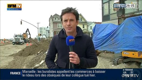 François-Xavier Ménage est un journaliste de terrain, ici il prend des risques en se rendant en Libye.
