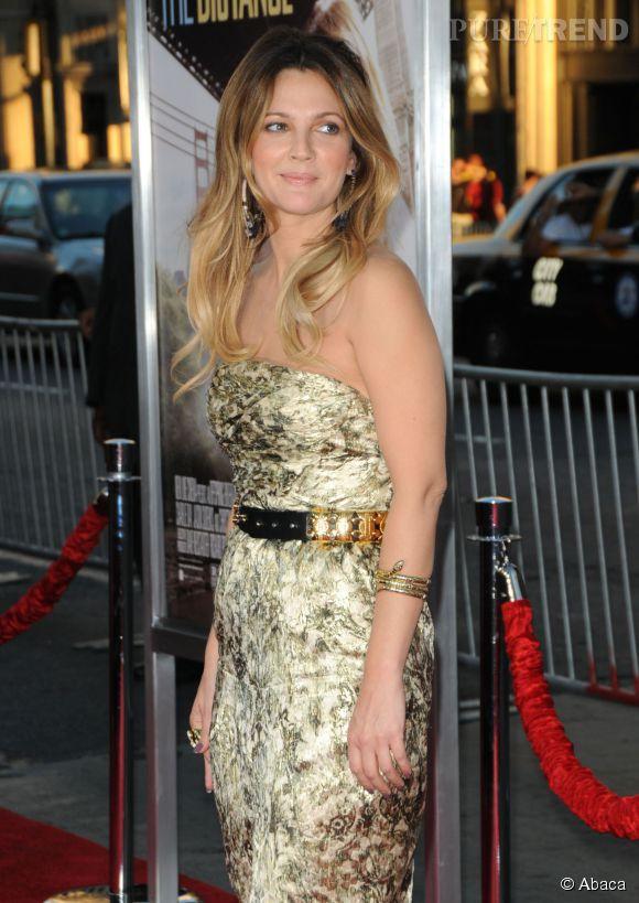 Drew Barrymore et son blond très lumineux.