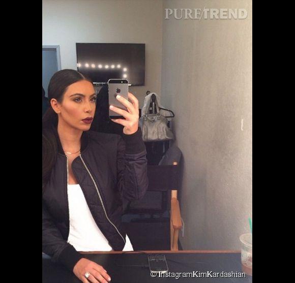 L'obsession du selfie commence selon Kim Kardashian... Même sa mère Kris Jenner en a par-dessus la tête.